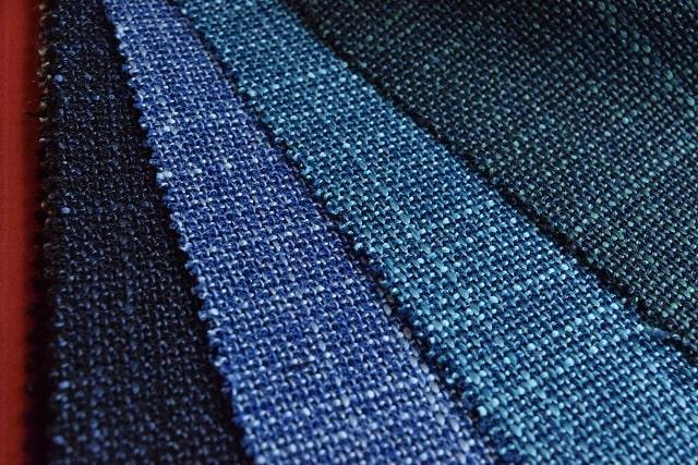 ブルーのジャケット生地
